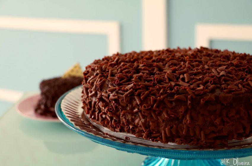 Torta Rivestita di Cioccolato