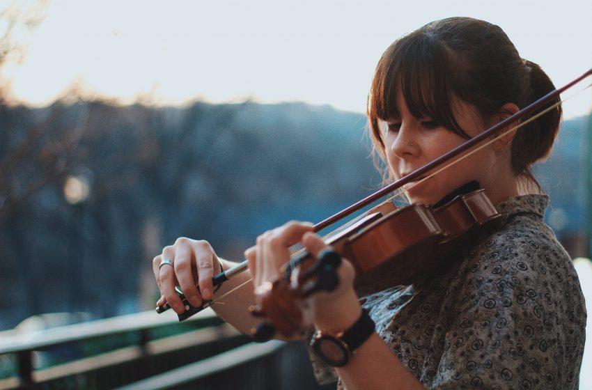 Violinista che suona