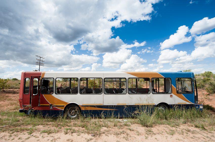 Bus Abbandonato in Africa
