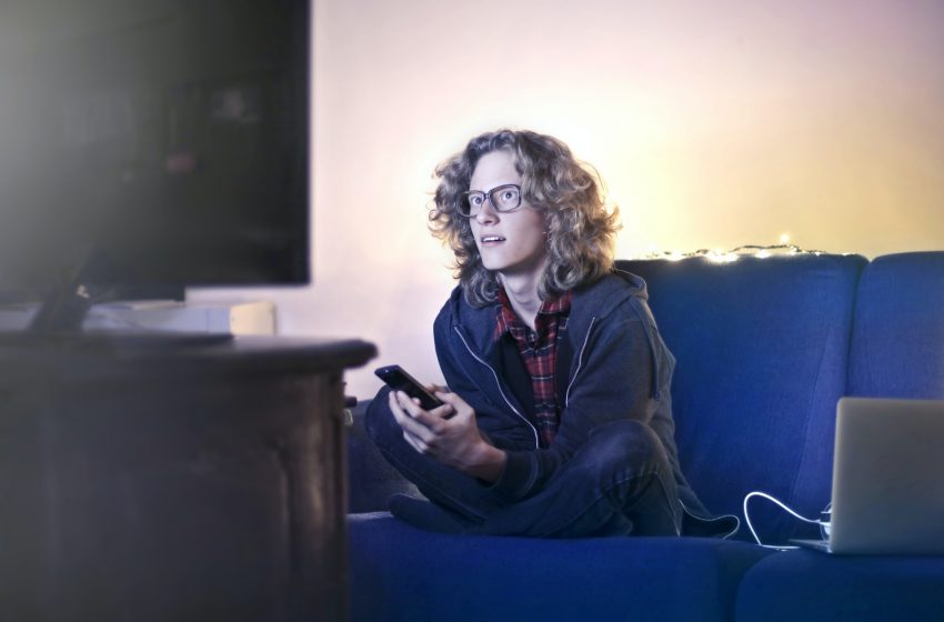 Come guardare la TV senza disturbare